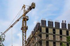 Hohes Anstieggebäude, das steigt Stockfotos