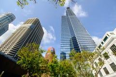 Hohes Aufstiegs-Gebäude in Singapur lizenzfreie stockfotografie