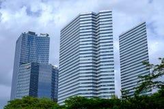 Hohes Aufstiegs-Gebäude in Singapur stockfotografie