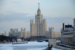 Hohes Gebäude in Moskau Stockfotografie