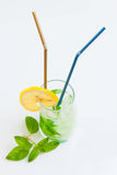 Hohes Getränk mit Minze und Eis Stockfotografie