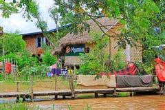 Hohes Haus-Dorf Nyaungshwe, Myanmar Stockbild