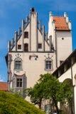 Hohes schloss, slott i mitt av Fussen, bayerska fjällängar Royaltyfria Foton