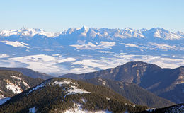 Hohes Tatras von niedrigem Tatras, Slowakei lizenzfreies stockfoto