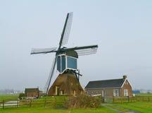 Hohle Bockwindmühle von Zoeterwoude stockbild