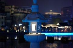 Hohle klassische Lampe der schnitzenden-Ruzi Pavillon-Parksteinnacht Lizenzfreie Stockbilder
