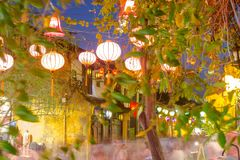 Hoi μια αρχαία πόλη κατά τη διάρκεια της νύχτας με το φανάρι ελαφρύ Βιετνάμ στοκ εικόνα