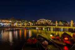 Hoi μια αρχαία πόλη κατά τη διάρκεια της νύχτας με το φανάρι ελαφρύ Βιετνάμ στοκ φωτογραφία με δικαίωμα ελεύθερης χρήσης