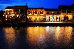 Hoi μια αρχαία πόλης όχθη ποταμού τη νύχτα, παγκόσμια κληρονομιά της ΟΥΝΕΣΚΟ του Βιετνάμ Στοκ Φωτογραφία