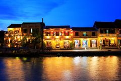 Hoi μια όχθη ποταμού τη νύχτα, παγκόσμια κληρονομιά της ΟΥΝΕΣΚΟ του Βιετνάμ Στοκ Φωτογραφίες