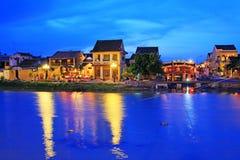 Hoi μια όχθη ποταμού τη νύχτα, παγκόσμια κληρονομιά της ΟΥΝΕΣΚΟ του Βιετνάμ Στοκ φωτογραφία με δικαίωμα ελεύθερης χρήσης