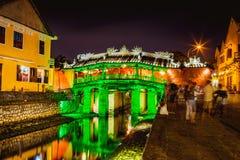 HOI, ВЬЕТНАМ - 15-ОЕ МАРТА 2017: Японский мост охвата на ноче - Hoi Вьетнам Этот мост соединил японцев Стоковые Фотографии RF