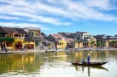 Hoi en gammal town Hoi An är en populär turist- destination av Asien Arkivbilder