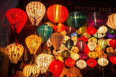 Hoi An - la ville des lanternes chinoises Boutique avec des lanternes Images stock