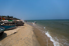 HOI, VIETNAM - 16 DE ABRIL: Cua Dai Beach en Hoi An, Vietnam Imagenes de archivo