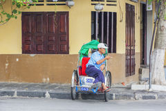 Hoi An Vietnam gammalt Cyclo Arkivfoto