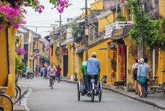 Hoi An Vietnam gammalt Cyclo Royaltyfria Foton