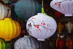 HOI, VIETNAM - 17. MÄRZ 2017: Farbige vietnamesische silk Laternen Stockbild