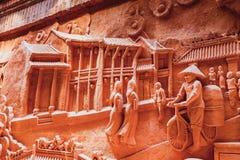 HOI, VIETNAM - MAART 19, 2017: De aardewerkmaterialen zijn in de zon gedroogd in Thanh Ha Pottery Village royalty-vrije stock afbeeldingen