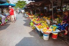 HOI, VIETNAM - MAART 15, 2017: Kleurrijke groenten voor verkoop bij de Centrale Markt van Hoi An, Vietnam Royalty-vrije Stock Foto