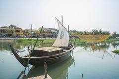 """Hoi An - Vietnam Mars 16:: Thu Bá"""" """"n-floden på Hoi An ancien Royaltyfria Bilder"""