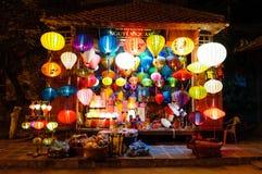 HOI, VIETNAM - MARS 13: Traditionellt lyktalager på mars Royaltyfria Bilder