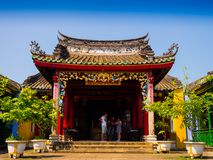 HOIAN,越南, 2017年9月, 04 :一个古老华美的寺庙的美丽的景色在hoian的,在一个晴天在越南 库存照片