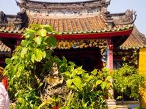 HOIAN,越南, 2017年9月, 04 :一个古老华美的寺庙的美丽的景色在hoian的,在一个晴天在越南 免版税库存照片