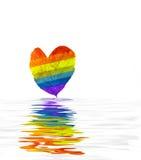 Hoja colorida en agua rendida Foto de archivo