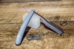 Hoja de afeitar y alumbre Fotografía de archivo