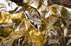 Hoja de oro arrugada Imagen de archivo libre de regalías