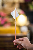 Hoja de oro para puesto sobre la estatua de Buda para dorar Qué gente utiliza para adorar la imagen de Buda Imagenes de archivo