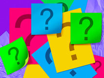 Hoja de papel colorida con el signo de interrogación fotos de archivo libres de regalías