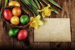 Hoja de papel de los huevos de Pascua en apariencia vintage retra Imagen de archivo libre de regalías