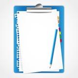 Hoja de papel en tarjeta de clip. Imagen de archivo libre de regalías