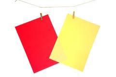 Hoja de papel roja y amarillo Fotos de archivo