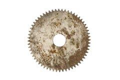 Hoja de sierra circular oxidada, aislada en blanco imágenes de archivo libres de regalías