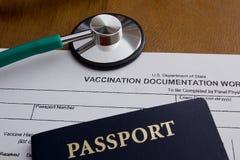 Hoja de trabajo de la documentación de la vacunación Foto de archivo libre de regalías