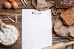 Ingredientes del papel y del pan de la receta foto de - Papel para cocinar ...