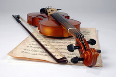 Hoja vieja del violín y de música Fotos de archivo