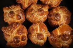 Hojaldras, bandeja de muerto, dia do pão mexicano inoperante em México fotos de stock royalty free