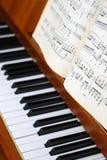 Hojas del piano y de música Fotografía de archivo libre de regalías