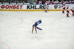 Hokej?w na lodzie cheerleaders zdjęcia royalty free
