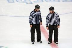 Hokejowi arbitrzy Obrazy Royalty Free