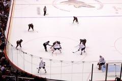 Hokey del NHL - lubrificatori di Edmonton & coyote di Phoenix Immagini Stock Libere da Diritti