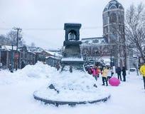 Hokkaido, Japan - 15 Dec, 2016: De toeristen lopen langs Sakai royalty-vrije stock foto's