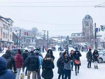Hokkaido, Japan - 15 Dec, 2016: De toeristen lopen langs Sakai Royalty-vrije Stock Fotografie