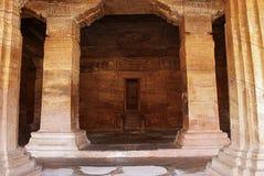 Hol 3: De veranda zelf Het is 7 voet, 2 1 m, wijd en heeft vier free-standing, gesneden pijlers die het scheiden van de zaal bede stock foto's