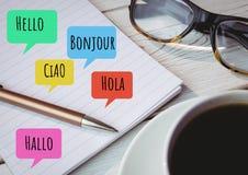 Hola en burbujas de la charla de los otros idiomas con los vidrios Fotografía de archivo