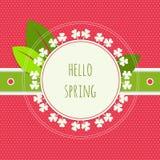 Hola tarjeta de felicitación de la primavera con tres la hoja Clovefrs Fotos de archivo libres de regalías